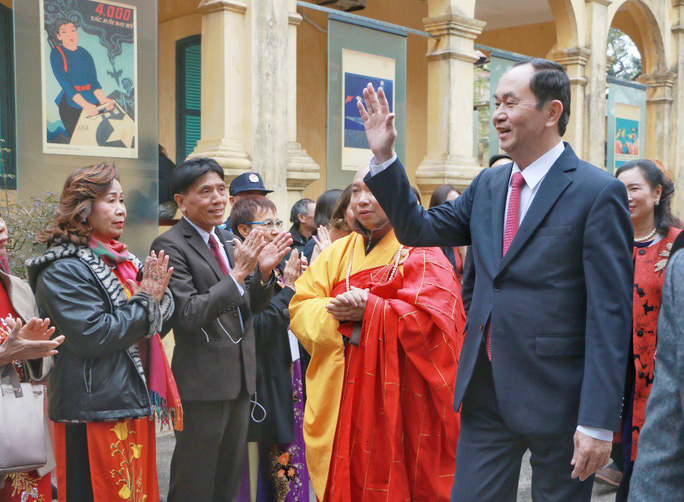 Chủ tịch nước dâng hương tại Điện Kính Thiên - Ảnh 3.