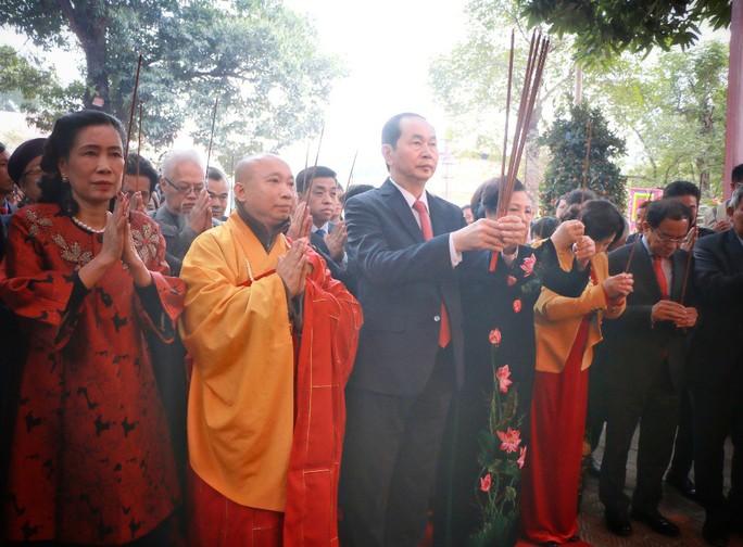 Chủ tịch nước dâng hương tại Điện Kính Thiên - Ảnh 4.