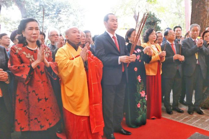 Chủ tịch nước dâng hương tại Điện Kính Thiên - Ảnh 1.