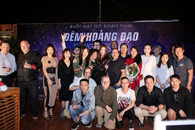 Trương Ngọc Ánh sexy ra mắt phim mới - Ảnh 8.