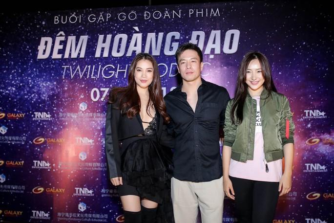 Trương Ngọc Ánh sexy ra mắt phim mới - Ảnh 7.