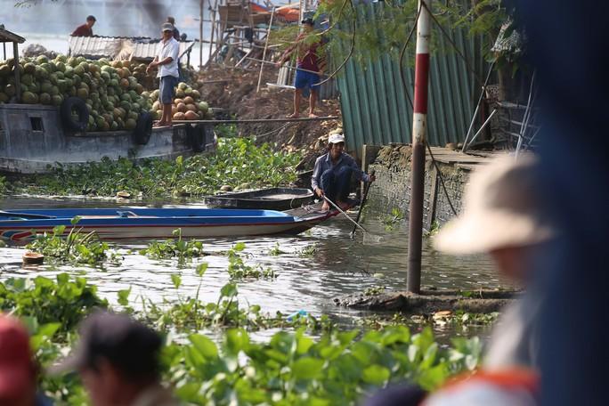 Cá chép đưa ông Táo bị xử đẹp khi vừa đến sông Sài Gòn - Ảnh 15.