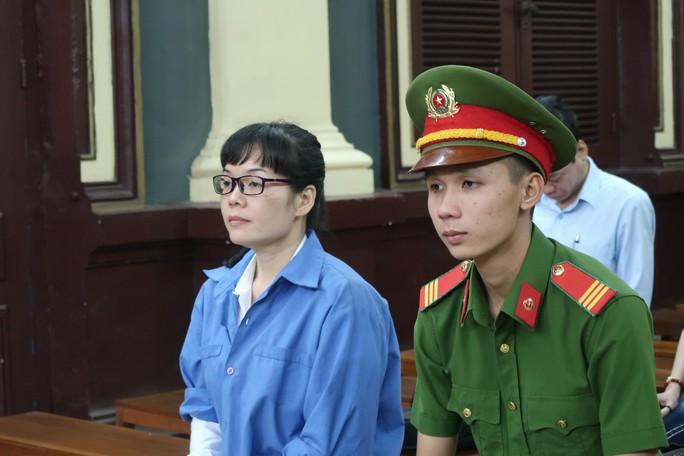 Nóng chuyện đòi bồi thường ở phiên tòa xét xử Huyền Như - Ảnh 1.