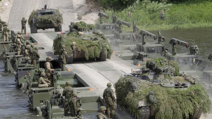 NATO lên gân với Nga - Ảnh 1.