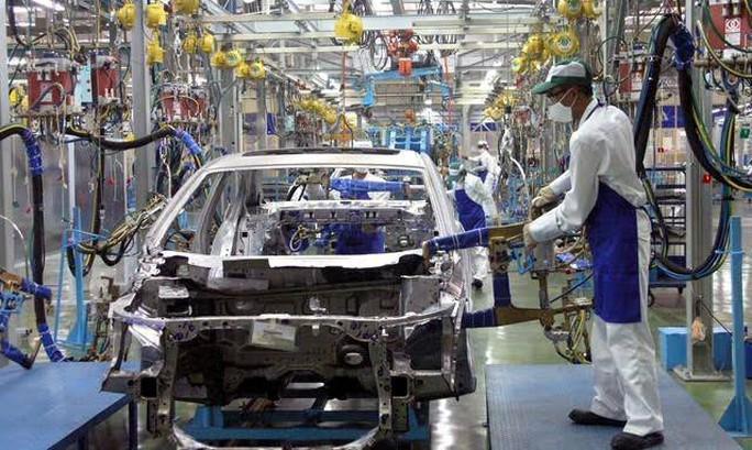 Bộ Công Thương vẫn muốn siết chặt xe nhập khẩu - Ảnh 1.