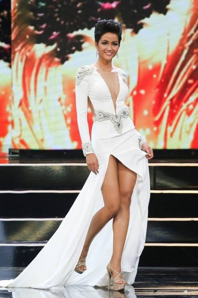 Hoa hậu Hoàn Vũ Việt Nam 2017 sở hữu vẻ đẹp khác lạ - Ảnh 5.