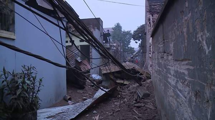 Bắc Ninh: Nổ lớn vùi lấp 5 ngôi nhà, 9 người thương vong - Ảnh 11.