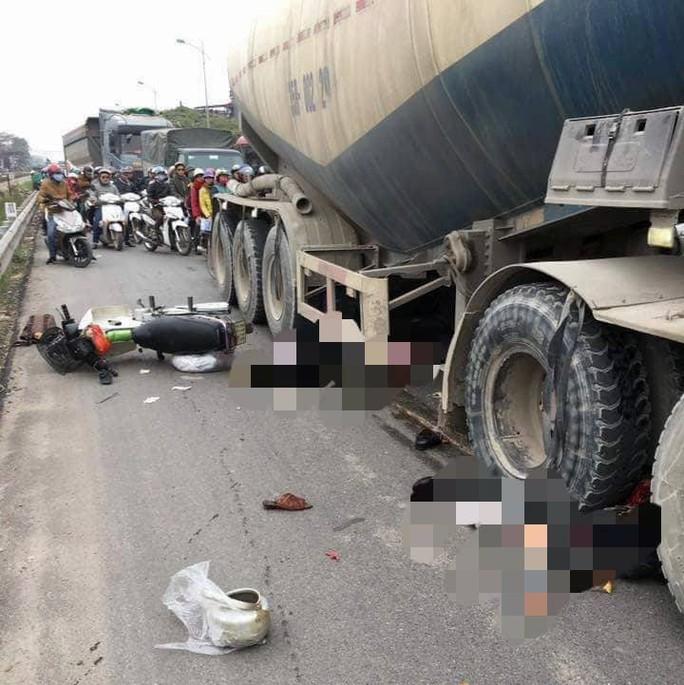 Va chạm với xe bồn ngày đầu năm, 2 người tử vong thương tâm - Ảnh 1.