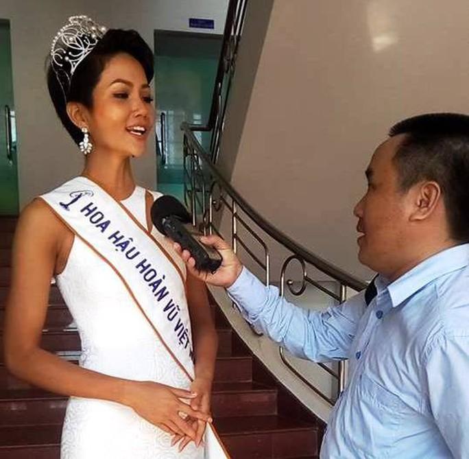 Hoa hậu Hoàn vũ Việt Nam H'Hen Niê: Việc đầu tiên là làm từ thiện - Ảnh 3.