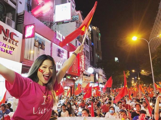 Người đẹp Việt thả thính thủ môn Tiến Dũng - Ảnh 2.