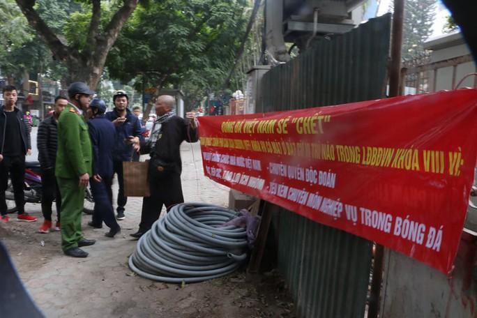 Cựu còi vàng Dương Mạnh Hùng yêu cầu đối chất với phó chủ tịch VFF - Ảnh 2.