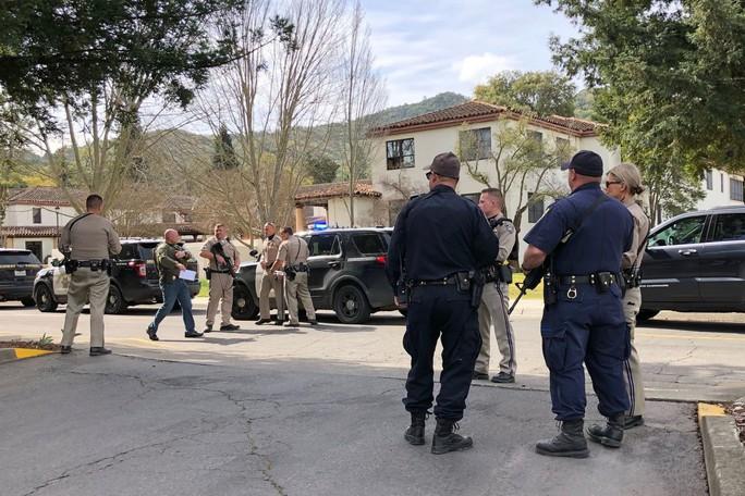 Nổ súng bắt con tin ở nhà cựu binh California, 4 người chết - Ảnh 2.