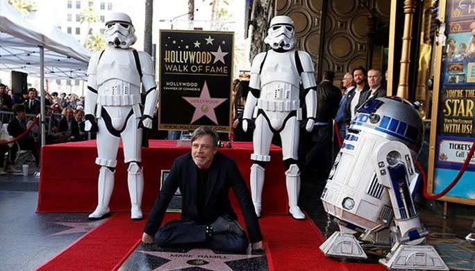 Bậc thầy Star Wars sung sướng nhận sao trên Đại lộ danh vọng - Ảnh 2.
