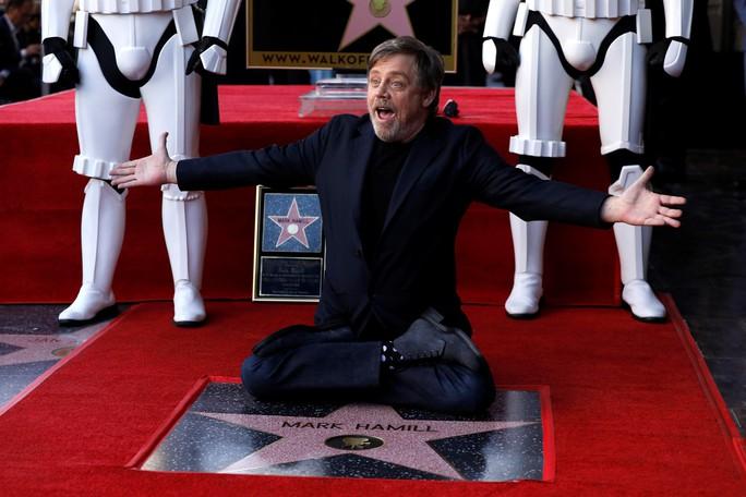 Bậc thầy Star Wars sung sướng nhận sao trên Đại lộ danh vọng - Ảnh 1.