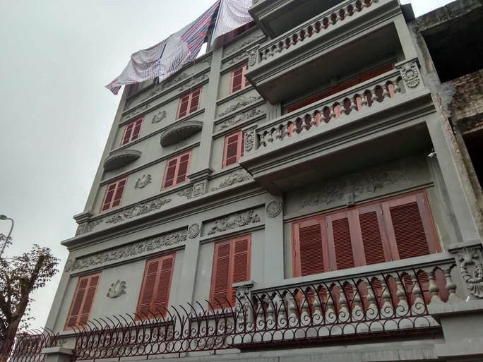Cưỡng chế phần xây trái phép biệt thự gia đình ông Nguyễn Thanh Hóa - Ảnh 3.