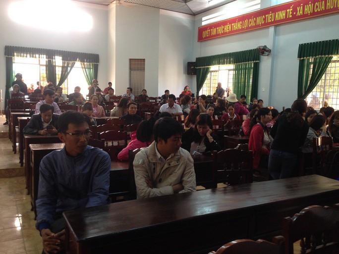 Vụ giáo viên bị mất việc ở Đắk Lắk: Một hiệu trưởng bị tố nhận tiền chạy việc - Ảnh 1.