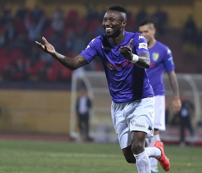 Samson bị người Thái chê, về V-League phải nghỉ hết lượt đi - Ảnh 1.
