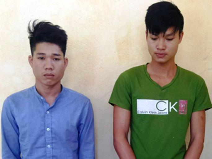 2 thanh niên truy sát, chém lìa bàn tay đối thủ - Ảnh 1.