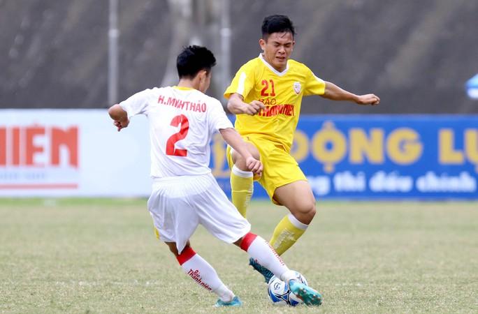 VCK Giải U19 Quốc gia: Đương kim vô địch Hà Nội vào chung kết nhờ loạt sút luân lưu - Ảnh 2.