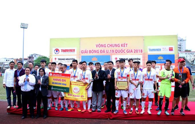 VCK Giải U19 Quốc gia: Đương kim vô địch Hà Nội vào chung kết nhờ loạt sút luân lưu - Ảnh 4.