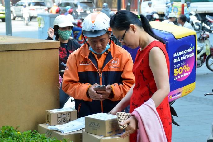 Thương mại điện tử Việt có bị thôn tính? - Ảnh 1.