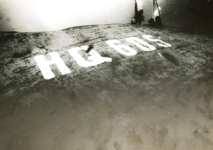 Rơi nước mắt dâng hương tưởng niệm chiến sĩ Gạc Ma - Ảnh 11.