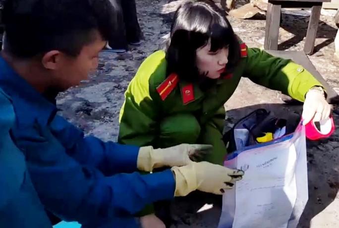 Vụ gia đình chết cháy ở Đà Lạt: Thủ phạm từng đâm nạn nhân - Ảnh 1.
