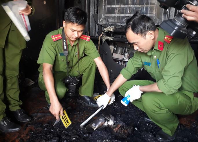 Vụ gia đình chết cháy ở Đà Lạt: Thủ phạm từng đâm nạn nhân - Ảnh 2.