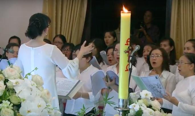 Hàng ngàn người đón linh cữu Tổng giám mục Phaolô Bùi Văn Đọc - Ảnh 5.