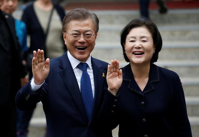 Tổng thống Hàn Quốc Moon Jae In thăm chính thức Việt Nam - Ảnh 1.
