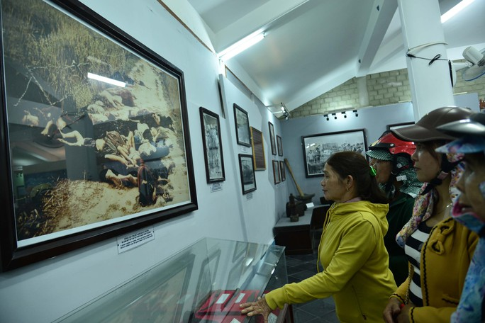 Bật khóc khi nhìn những hình ảnh kinh hoàng vụ thảm sát Sơn Mỹ - Ảnh 9.