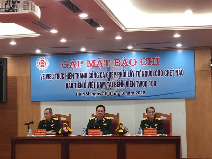 Việt Nam lần đầu tiên ghép phổi từ người cho chết não - Ảnh 4.