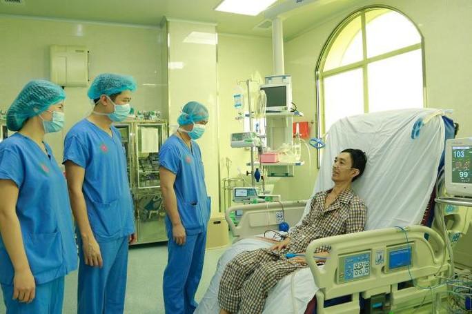 Việt Nam lần đầu tiên ghép phổi từ người cho chết não - Ảnh 1.