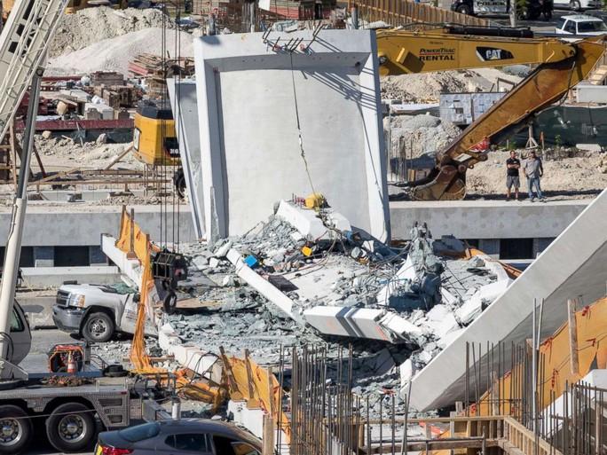 Vụ sập cầu ở Mỹ: Hoang mang vì cầu lắp đặt thần tốc trong 6 giờ - Ảnh 3.