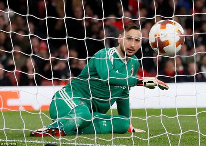 Arsenal đại phá AC Milan, Dortmund bị loại tủi hổ ở Europa League - Ảnh 3.