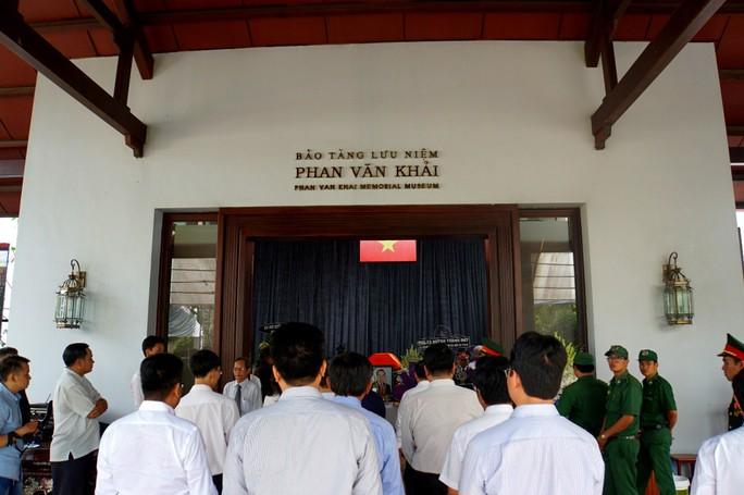 Nguyên Thủ tướng Nguyễn Tấn Dũng tham gia chuẩn bị lễ tang cố Thủ tướng Phan Văn Khải - Ảnh 4.