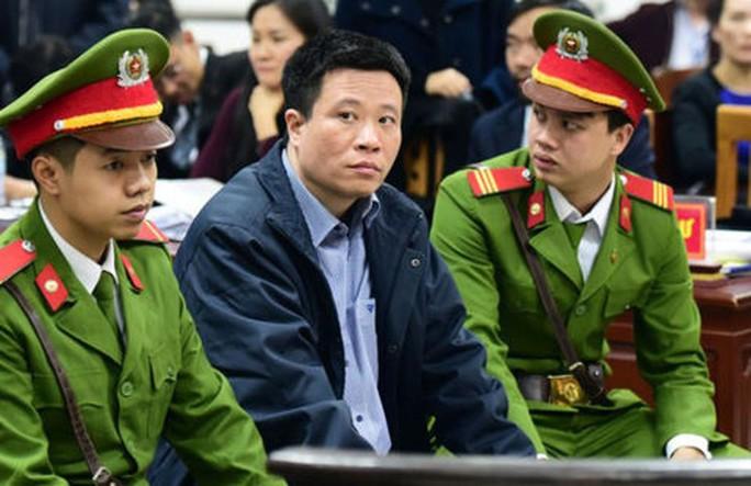Ông Đinh La Thăng hầu toà xử đại án 800 tỉ đồng, triệu tập Hà Văn Thắm - Ảnh 2.