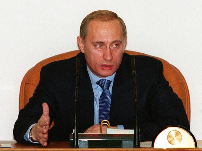 Nhìn lại Tổng thống Putin sau gần 2 thập kỷ nắm quyền - Ảnh 2.