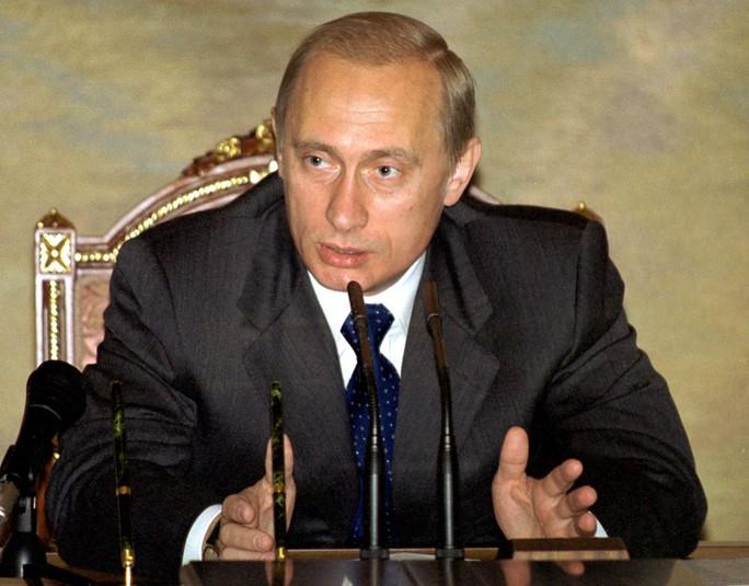Nhìn lại Tổng thống Putin sau gần 2 thập kỷ nắm quyền - Ảnh 3.