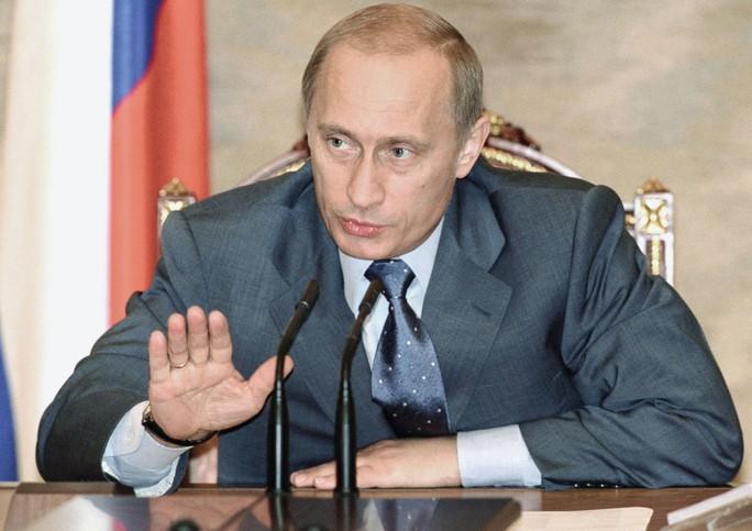 Nhìn lại Tổng thống Putin sau gần 2 thập kỷ nắm quyền - Ảnh 6.