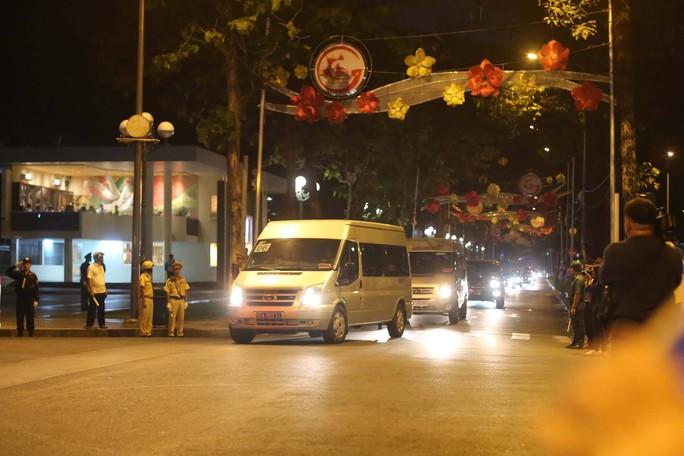 Linh cữu cố Thủ tướng Phan Văn Khải đã về Hội trường Thống Nhất - Ảnh 3.