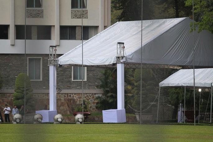 Hội trường Thống Nhất trước giờ đón linh cữu cố Thủ tướng Phan Văn Khải - Ảnh 5.