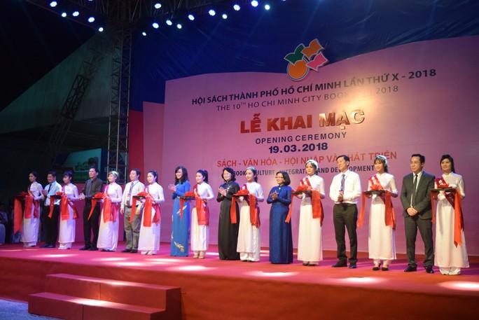 Phó Chủ tịch nước dự khai mạc Hội sách TP HCM - Ảnh 3.