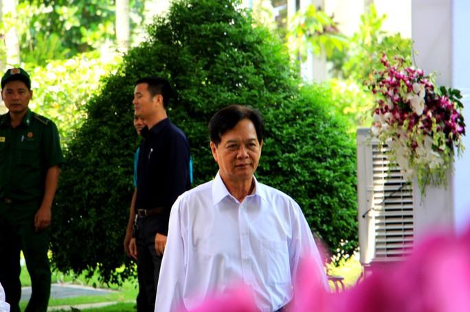 Nguyên Thủ tướng Nguyễn Tấn Dũng tiễn biệt cố Thủ tướng Phan Văn Khải - Ảnh 1.