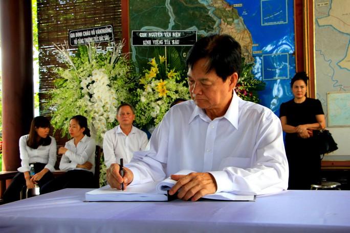 Nguyên Thủ tướng Nguyễn Tấn Dũng tiễn biệt cố Thủ tướng Phan Văn Khải - Ảnh 4.
