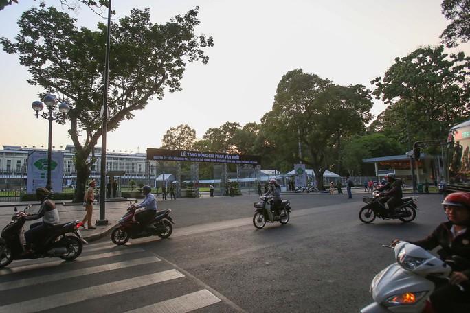 Hội trường Thống Nhất trước giờ đón linh cữu cố Thủ tướng Phan Văn Khải - Ảnh 9.