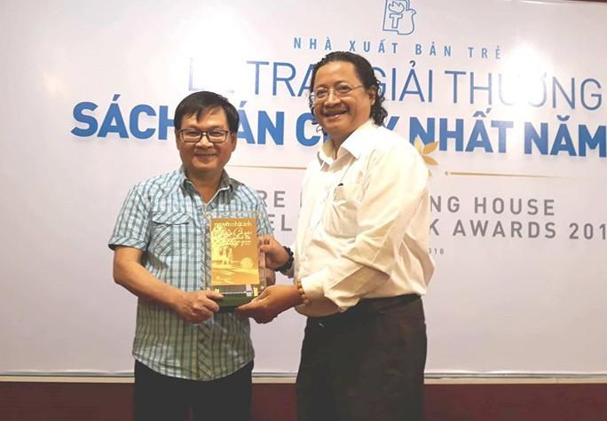 Nguyễn Nhật Ánh sững sờ vì quá nhiều giải thưởng - Ảnh 1.