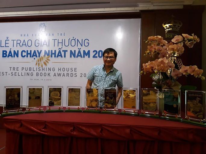 Nguyễn Nhật Ánh sững sờ vì quá nhiều giải thưởng - Ảnh 2.