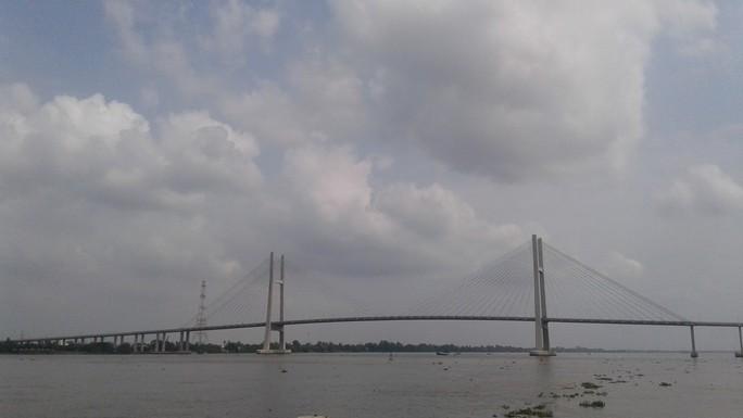 Ngắm cầu Cao Lãnh bắc qua sông Tiền trước ngày thông xe - Ảnh 1.