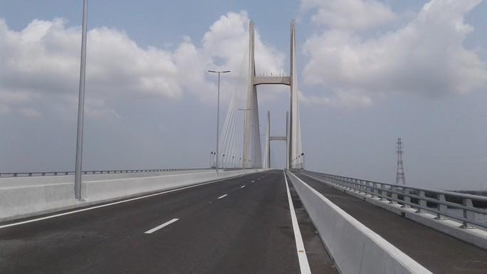Ngắm cầu Cao Lãnh bắc qua sông Tiền trước ngày thông xe - Ảnh 5.